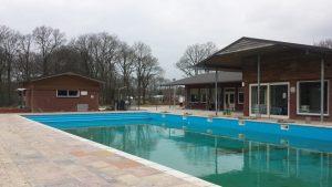 Schoonmaak zwembad
